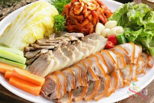 โพซัมจากเกาหลี 2 - Bossam 食谱 来自韩国的猪肉和